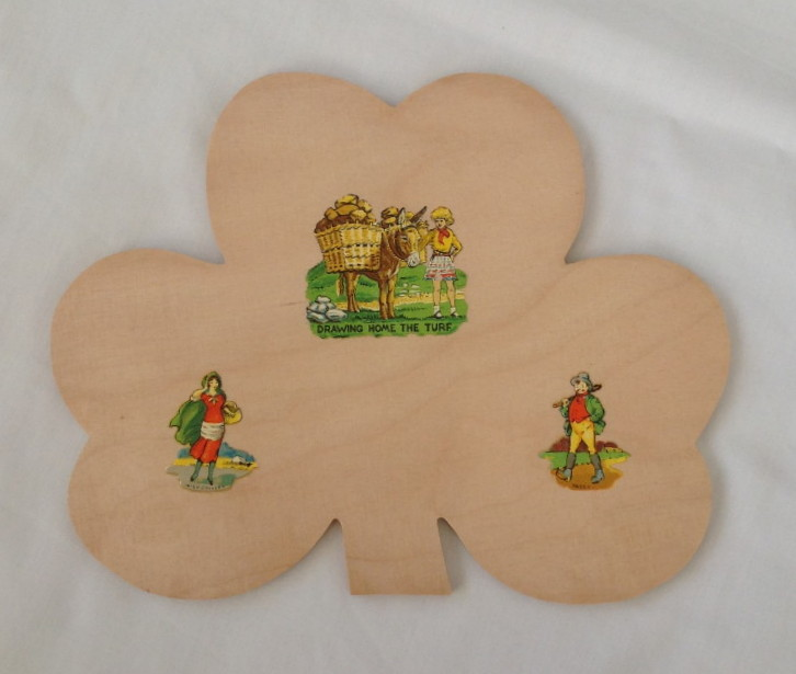 Irish Shamrock Wooden Souvenir Wall Plaque